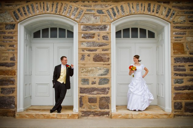 Wedding picture in front of the temple doors